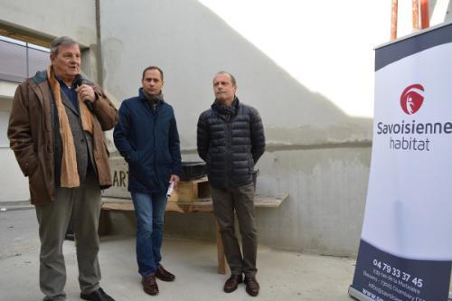 M.Jean Bollon (Président de la coop Hlm Savoisienne Habitat), M.Samuel Rabillard (Directeur Général) et de M.Walter SARTORI